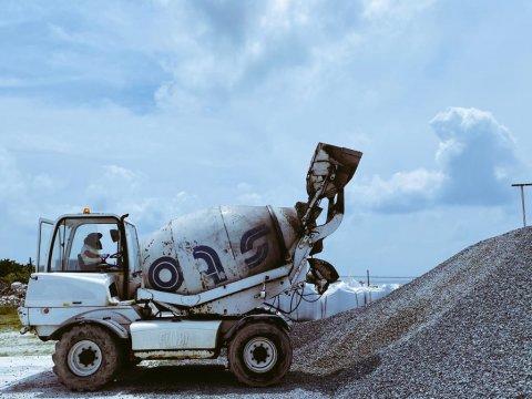 STO in construction saamaanu rahrashugai vikkaane agent in hoadhanee